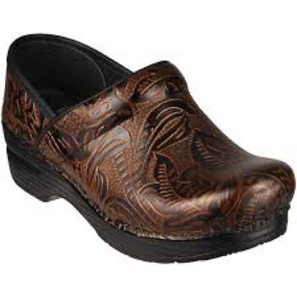 Dansko Shoes   Dansko Professional